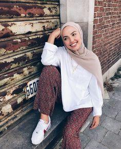 etc – Hijab Fashion Modern Hijab Fashion, Street Hijab Fashion, Hijab Fashion Inspiration, Muslim Fashion, Modest Fashion, Fashion Outfits, Modest Dresses, Modest Outfits, Casual Hijab Outfit