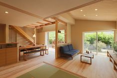Modern mountain home in Japan Japanese Home Decor, Japanese Interior, Japanese House, Kitchen Dining Living, Living Room, Japan House Design, Modern Mountain Home, Natural Interior, House In The Woods