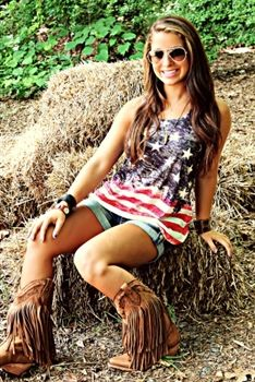 Love this outfit!!! #SouthernFriedChics