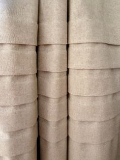 Stylish Settings: Linen, Pleats and Gardenias