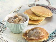 Pancakes mit Kastanienmousse | http://eatsmarter.de/rezepte/pancakes-mit-kastanienmousse