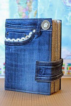 Denim Crafts Jean Crafts Bolsas Jeans Handmade Journals Handmade Books Recycled Denim Old Jeans Book Crafts Sewing Hacks Artisanats Denim, Jean Diy, Recycling, Fabric Book Covers, Sewing Jeans, Diy Jeans, Jean Crafts, Bible Covers, Denim Ideas