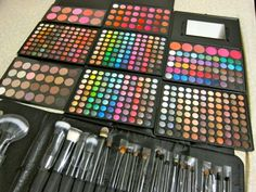 Make-up. make-up. and MORE make-up :) Kiss Makeup, Love Makeup, Makeup Looks, Hair Makeup, Makeup Sets, Makeup Haul, All Things Beauty, Beauty Make Up, Girly Things