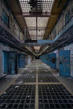 Urban explorer's secret tourist spots: 18 hauntingly beautiful pictures of abandoned buildings Abandoned Buildings, Abandoned Prisons, Old Buildings, Abandoned Places, Faust Goethe, Beautiful Places, Beautiful Pictures, Tourist Spots, Urban Decay
