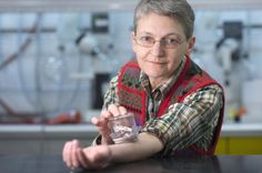 Simon Fraser University scientist Regine Gries subjected her arms to approximately bed bug bites from a colony kept at the school. Bed Bug Trap, First Class Hotel, Bait Trap, Science And Technology News, Bed Bug Bites, Bed Bugs, Life Partners, Science And Nature, First World