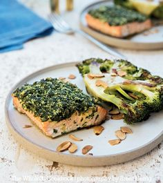 Cookbook One-Pan Herb-Crusted Roasted Salmon With Roasted Broccoli Steak Whole 30 Diet, Paleo Whole 30, Whole 30 Recipes, New Recipes, Clean Recipes, Dinner Recipes, Favorite Recipes, Oven Roasted Salmon, Crusted Salmon