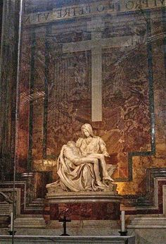 Pieta by Michelangelo at the Vatican in Rome Catholic Art, Religious Art, Michelangelo, Italy Vacation, Italy Travel, Visit Rome, Rome Antique, Things To Do In Italy, St Peters Basilica