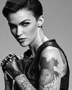 2019 Ruby Rose Tattoos - mY beAutYs - Tätowieren Ruby Rose Tattoo, Ruby Rose Tatuagem, Ruby Rose Estilo, Hippe Tattoos, Ruby Rose Hair, Rubin Rose, Pretty People, Beautiful People, Androgynous Women