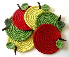 Crochet Coasters Garland Bunting Pattern Bowls Placemats Birdhouses, Wedding and Nursery Decoration. Attractive crochet items to your Sweet Home Crochet Kitchen, Crochet Home, Knit Or Crochet, Crochet Crafts, Yarn Crafts, Crochet Projects, Modern Crochet, Crochet Apple, Crochet Fruit