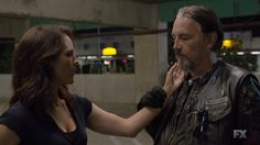 Chibs and Jarry--when are we going to see these two love on each other? Chibs, if not with Jarry, I'm certainly free...