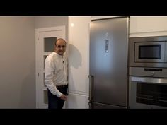 Video de cocinas blancas modernas en forma de L sin tiradores y encimera de silestone - YouTube Bad Room Design, Kitchen Room Design, Modern Kitchen Design, Kitchen Appliances, Color Plomo, Garden Ideas, Home Decor, Modern Kitchens, New Houses