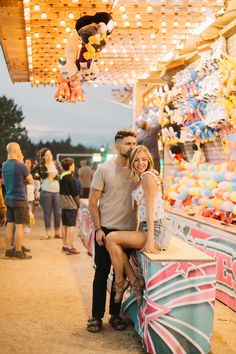 Carnival Photography, Fair Photography, Texas Photography, Fall Couple Photos, Couple Picture Poses, Couple Pictures, Fair Outfit Ideas, Fair Outfits, Themed Engagement Photos