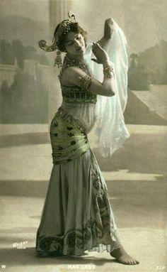 Mata Hari - side view