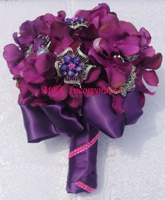 www.mrseventplanner.com Purple Brooch Bouquet