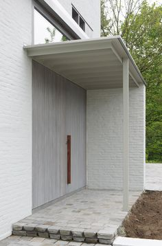 2009-07. House Braeckman - De Rijcke | MARIEJOSEVANHEEARCHITECTEN Modern Entrance Door, Entrance Gates, House Entrance, Brick Facade, Facade House, Small Buildings, Modern Buildings, Architecture Details, Interior Architecture