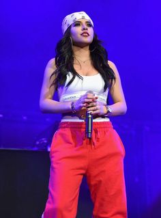Becky G performing at 2018 Calibash in Los Angeles Becky G Style, Demi Lovato Body, G Photos, Still Love Her, Marie Gomez, Female Singers, Celebs, Celebrities, Pin Up
