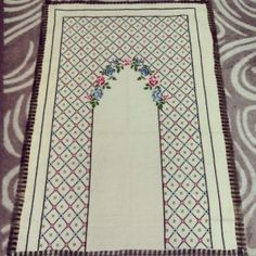 This Pin was discovered by suk Tapestry Crochet Patterns, Easy Crochet Patterns, Crochet Stitches, Embroidery Patterns, Cross Stitch Borders, Cross Stitch Flowers, Cross Stitching, Cross Stitch Patterns, Prayer Rug