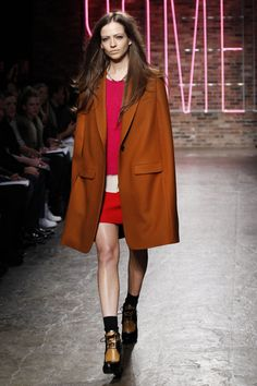 Comment porter la couleur rouille? | Dress like a parisian