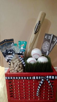 Tricky Tray Basket Idea - Take Me Out To the Ballgame Basket - What a great way to display baseball tickets Fundraiser Baskets, Raffle Baskets, Gift Baskets, Easter Baskets, Fundraiser Event, Theme Baskets, Home Decor Baskets, Chinese Auction, Silent Auction Baskets