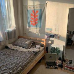 Room Ideas Bedroom, Small Room Bedroom, Bedroom Decor, Study Room Decor, Indie Room, Aesthetic Room Decor, Minimalist Room, Pretty Room, Room Goals