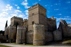 Castillo de Ampudia // Ampudia Castle by Victor Rdz, via 500px