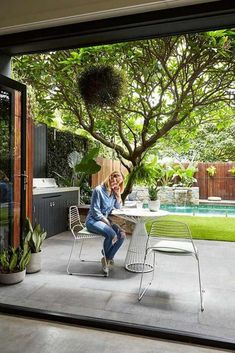 40 Backyard Privacy Ideas With Pool To Relax With Your Family #backyardwithpool #backyardprivacyideas #backyardlandscaping ~ aacmm.com