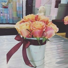 Indywidualne połączenia wyglądają pięknie... Każdy znajdzie coś dla siebie, kolor róż i swoje ulubione pudełko. Maleńkie... takie od serca 🍀❤️#polishman #kwiatybezokazji #polishboy #polishboyfriend #womaninlove #polishwoman #kwiaciarnia #kwiaciarniafortunato #warszawa #flower #kwiatywpudełkach #roże #różewpudełkach #fashionblogger #fashion #dekoracjeslubne