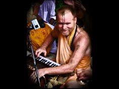 Aindra Prabhu - Damodarastaka + Kirtan 07.11.23 - YouTube