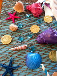 Mermaid party table decor -  Glamour Avenue Parties | Catch My Party
