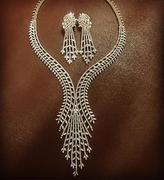 This ones for all the brides to be Hundred percent hand-crafted this necklace is meticulous in detail and absolute gorgeous on your neck ... Available for you @purplebyanki . . . For order inquiries on loose diamonds and Jewellery email at info@purplebyanki.com #purplebyanki #love #diamonds #instagood #photooftheday #luxury #fashion #beautiful #art #followme #instadaily #repost #fun #style #amazing #gems #lover #bestoftheday #pretty #instapic #wedding #handmade #jewellery #luxurylifestyle…