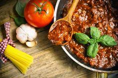 Spaghetti Bolognese, Sauce Bolognaise, Tandoori Chicken, Beef, Ethnic Recipes, Sauces, Chutneys, Dressings, Homemade Sauce