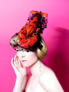 Roisin Murphy and a Lobster Hat. Salvidor Dali in hat form? Lobster Fest, Rock Lobster, Elsa Schiaparelli, Man Ray, Dali, Lobster Costume, Tuileries Paris, Love Hat, Red Hats