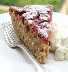 Torta di farro con le fragole | http://www.ilpastonudo.it/dolci/torta-di-farro-con-le-fragole/
