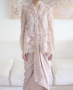 Kebaya Lace, Batik Kebaya, Kebaya Dress, Dress Pesta, Kebaya Modern Hijab, Dress Brokat Modern, Kebaya Hijab, Muslim Fashion, Hijab Fashion