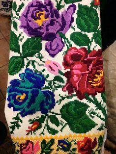 Cute Designs, Cross Stitch, Elsa, Embroidery, Traditional, Cool Stuff, Inspiration, Santorini, Stitches