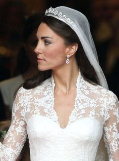 The beautiful Kate Middleton is such an inspiration! Royal Wedding: 4 Ways In Which Kate Middleton's Wedding Hair and Makeup Were Fairytale Perfect. Kate Wedding Dress, Kate Middleton Wedding Dress, Kate Middleton Hair, Kate Dress, Wedding Dresses 2014, Wedding Gowns, Wedding Garter, Wedding Veil, Wedding Card