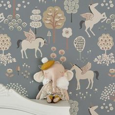 35 Amazingly Pretty Shabby Chic Bedroom Design and Decor Ideas - The Trending House Cozy Bedroom, Kids Bedroom, Room Kids, Kids Rooms, Baby Rooms, Scandinavian Bedding, Scandinavian Style, Home Design, Nursery Decor