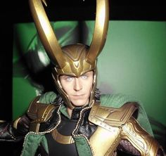 Oh, if I only had the money to buy this... I'd kneel to it... Amazon.com: Hot Toys - The Avengers Movie Masterpiece Action Figure 1/6 Loki 32 cm: Toys & Games