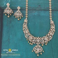 Make your day more special with this gold necklace with it's matching earring studded with round brilliant diamonds. Jewelry Design Earrings, Emerald Jewelry, Diamond Jewellery, Necklace Designs, Gold Jewelry, Jewellery Designs, Diamond Necklace Set, Bold Necklace, Collar Necklace