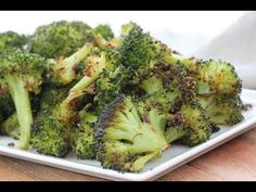 Popcorn Broccoli Recipe (Perfectly Roasted Broccoli) « Clean & Delicious - Mac and cheese Best Broccoli Recipe, Broccoli Recipes, Veggie Recipes, Healthy Recipes, Broccoli Dishes, Vegetable Dishes, Healthy Foods, Diet Recipes, Chicken Broccoli Stuffing Casserole