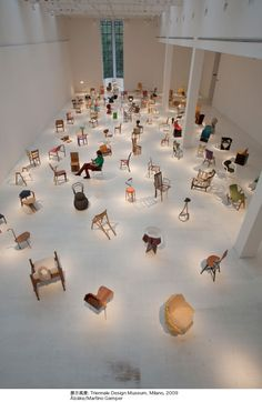 "Martino Gumper Japan's first solo exhibition ""100 chairs in 100 days"""