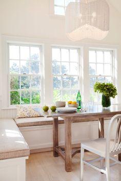 In Good Taste: Cynthia Hayes Interior Design - Design Chic Booth Seating In Kitchen, Kitchen Booths, Kitchen Nook, Kitchen Dining, Kitchen Ideas, Kitchen Reno, Beach House Kitchens, Home Kitchens, Dream Kitchens