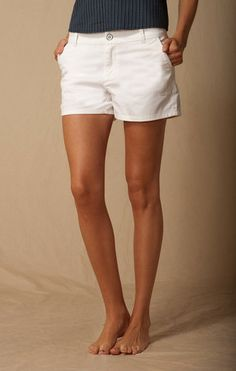 WHITE TROUSER POCKET BERMUDA SHORT