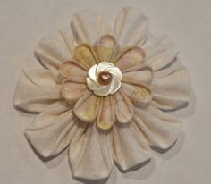 Kanzashi Stacked Blooms and Fun Centers - Joggles.com