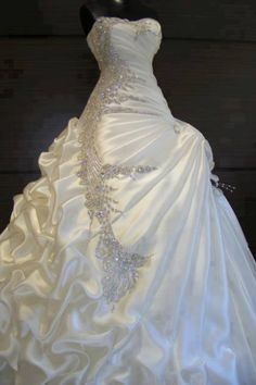 I'd <3 to wear this for my wedding