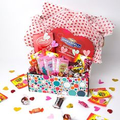 Would you love a PINCHme Box full of candy? Enter our Valentine's Day giveaway for your chance to win this grand prize or 5 runner's up boxes! ❤️ Link is in our bio. Share the love and tag your friends!