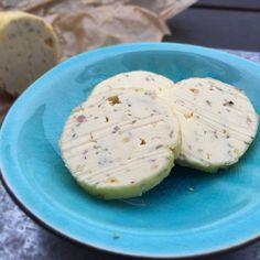 The lazy bearnaise = bearnaise butter. Easy recipe here: MyCopenhagenKitchen.com