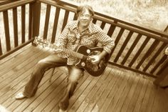 Barry Ferrier playing a Yamaha Resonator guitar Neil Mccann, Slim Pickens, Resonator Guitar, Solo Music, Blues Music, Music Posters, Yamaha, Live, Photos