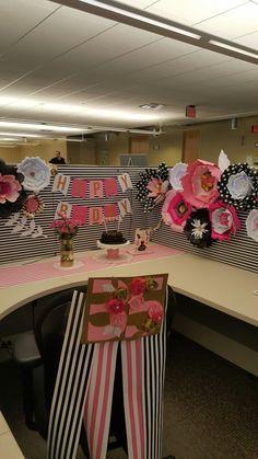 Birthday cubicle decoration