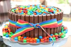 Oh my goodness this is a chocolate lover's dream.  Cake and candy all rolled into one dessert?  How can you go wrong?